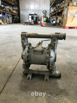 Husky 1040 Series Stainless Air-Operated Sanitary Double Diaphragm Valve 120PSI